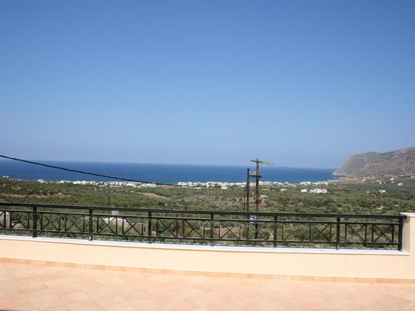 Villa i Milatos med basseng og nydelig sjøutsikt.