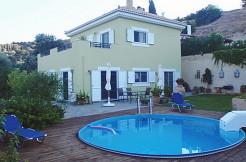 Villa med tre soverom, basseng og EOT-lisens på sørsiden av Kreta.