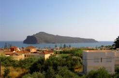 Nye store villaer i Agia Marina 800 meter fra stranden. 180.000 og 190.000 Euro