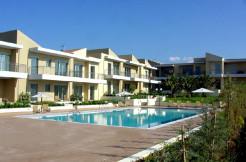 Leiligheter og hus i anlegg med 33 boliger 200 meter fra stranden. 7 ledige. Platanias/Maleme.