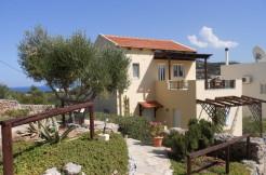 Flott villa med basseng 300 meter fra sjøen ved Agios Nikolaos.