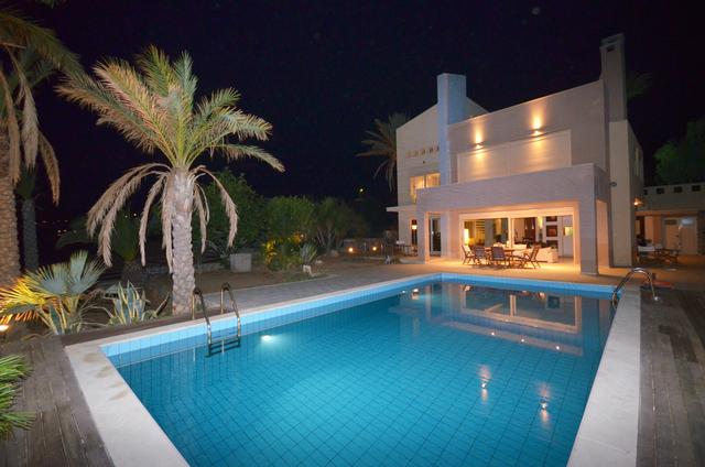 Nydelig villa med egen strandlinje.