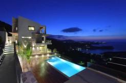 Fantastisk flott villa med panoramautsikt.