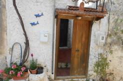 NY PRIS! Koselig landsbyhus med liten gårdsplass i pittoreske Kritsa.