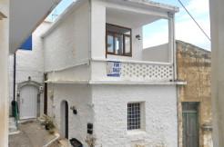 Sjarmerende lite landsbyhus i to etasjer sentralt i Kritsa.