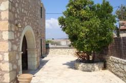 Renovert landsbyhus i Vamos.