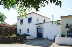Stort renovert landsbyhus i Selia, Apakoronas.