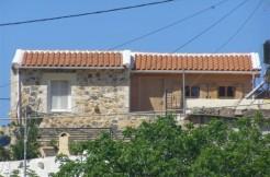 Renovert landsbyhus med basseng i Kokkino Chorio